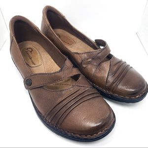 Earth Origins brown leather Mary Jane shoe 8.5M